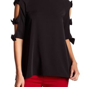 Gracia bow sleeve top!